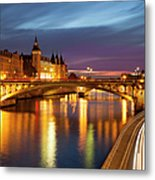River Seine And The Concierge Metal Print