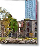 Run Down Ivy Metal Print