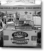 San Francisco - Stanley's Steamers Hot Dog Stand - 5d17929 - Black And White Metal Print