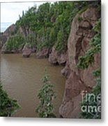 Seastacks At Hopewell Rocks Metal Print