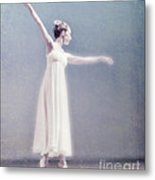 She Dances Metal Print by Linde Townsend
