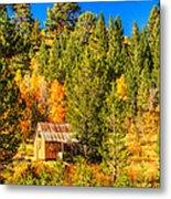Sierra Nevada Rustic Americana Barn With Aspen Fall Color Metal Print
