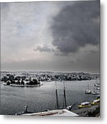 snow in port mahon - A very rare image of a mediterranean villa sided to sea covered of snow Metal Print
