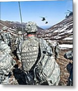 Soldiers Wait For Uh-60 Black Hawk Metal Print