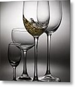 Splashing Wine In Wine Glasses Metal Print