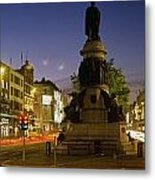 Statue Of A Man On A Pedestal On The Metal Print