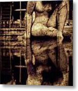 stone in reflexion - Statue reflected in a sea of doubt in vintage process Metal Print