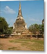 Stupa Chedi Of A Wat In Thailand Metal Print