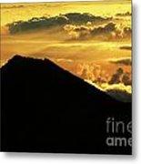 Sunrise Over Maui Metal Print