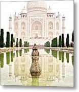 Taj Mahal On The Vertical Metal Print