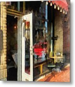 Tea Room In Sono Norwalk Ct Metal Print by Susan Savad