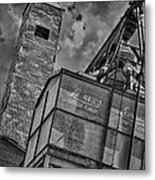 Through The Mill Bw Metal Print by Ken Williams