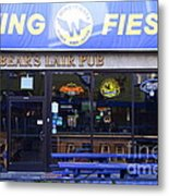 Uc Berkeley . Bears Lair Pub . 7d10165 Metal Print