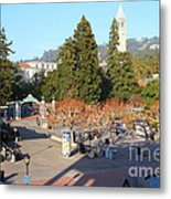 Uc Berkeley . Sproul Hall . Sproul Plaza . Sather Gate And Sather Tower Campanile . 7d10016 Metal Print