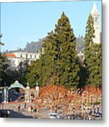 Uc Berkeley . Sproul Plaza . Sather Gate And Sather Tower Campanile . 7d10015 Metal Print