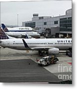 United Airlines At Foggy Sfo International Airport . 5d16937 Metal Print