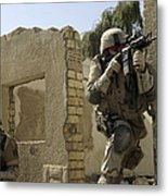 U.s. Army Soldiers Reacting To Small Metal Print