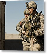 U.s. Army Soldiers Search A Site Metal Print