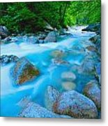 Water Rushing Through Rocks Metal Print