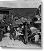 Soldiers Loading Cannon 19171918 Black White Metal Print