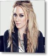 83110 Blonde Jacket Sitting Simple Background Hazel Eyes Hilary Duff Women Metal Print