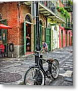 Bike And Lamppost In Pirate's Alley Metal Print