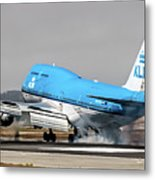 Klm Royal Dutch Airlines Boeing 747 Airplane Landing At San Francisco Airport In San Francisco, Cali Metal Print