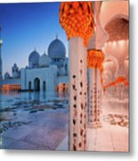 Night View At Sheikh Zayed Grand Mosque, Abu Dhabi, United Arab Emirates Metal Print