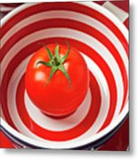 Tomato In Red And White Bowl Metal Print by Garry Gay