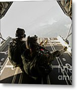 U.s. Army Green Berets Wait To Jump Metal Print