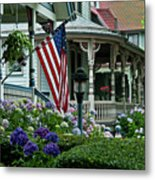 Victorian House And Garden. Metal Print by John Greim
