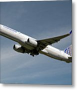 United Airlines Boeing 757-224 Metal Print