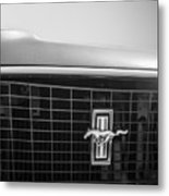 1969 Ford Mustang Grille Emblem -0133bw Metal Print