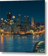2011 Supermoon Over Pittsburgh Metal Print