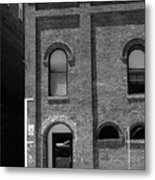 Burlington North Carolina - Arches And Alley Bw Metal Print