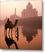 Taj Mahal At Dawn Metal Print