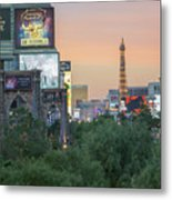november 2017 Las Vegas, Nevada - evening shot of eiffel tower a Metal Print