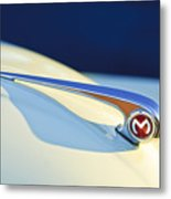 Morris Minor 1000 Hood Ornament Metal Print