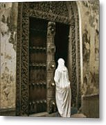 A Swahili Woman Enters A Building Metal Print