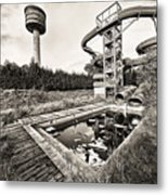 Abandoned Swimming Pool - Lost Places Metal Print