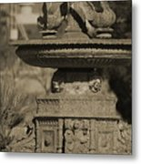 Aged And Worn Swan Statues On Rustic Cast Fountain Metal Print