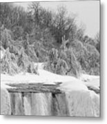 American Falls In Winter In Black And White Metal Print