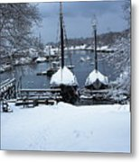 Angelique And Lewis R French In The Snow Metal Print