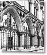 Arches Front Of The Royal Courts Of Justice London Metal Print