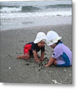 Beach Babies Metal Print by Paul Barlo