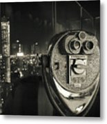 Binocular In New York City, Image In Grunge And Retro Style. Metal Print