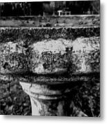 Birdbath In Black And White  Metal Print