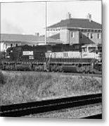 Bnsf Locomotive On Ns 192 Bw Metal Print