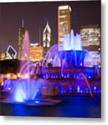 Buckingham Fountain At Night With Chicago Skyline Metal Print