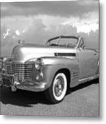 Bygone Era - 1941 Cadillac Convertible In Black And White Metal Print